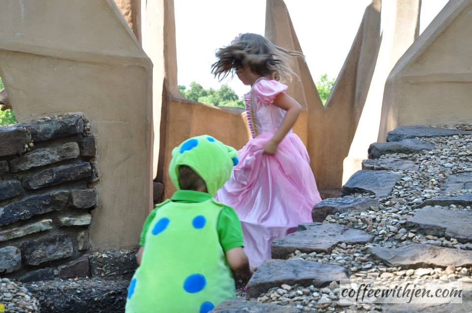 The dragon chases her into the castle.
